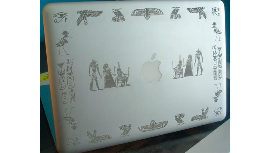 Гравировка клавиатуры для MacBook Pro